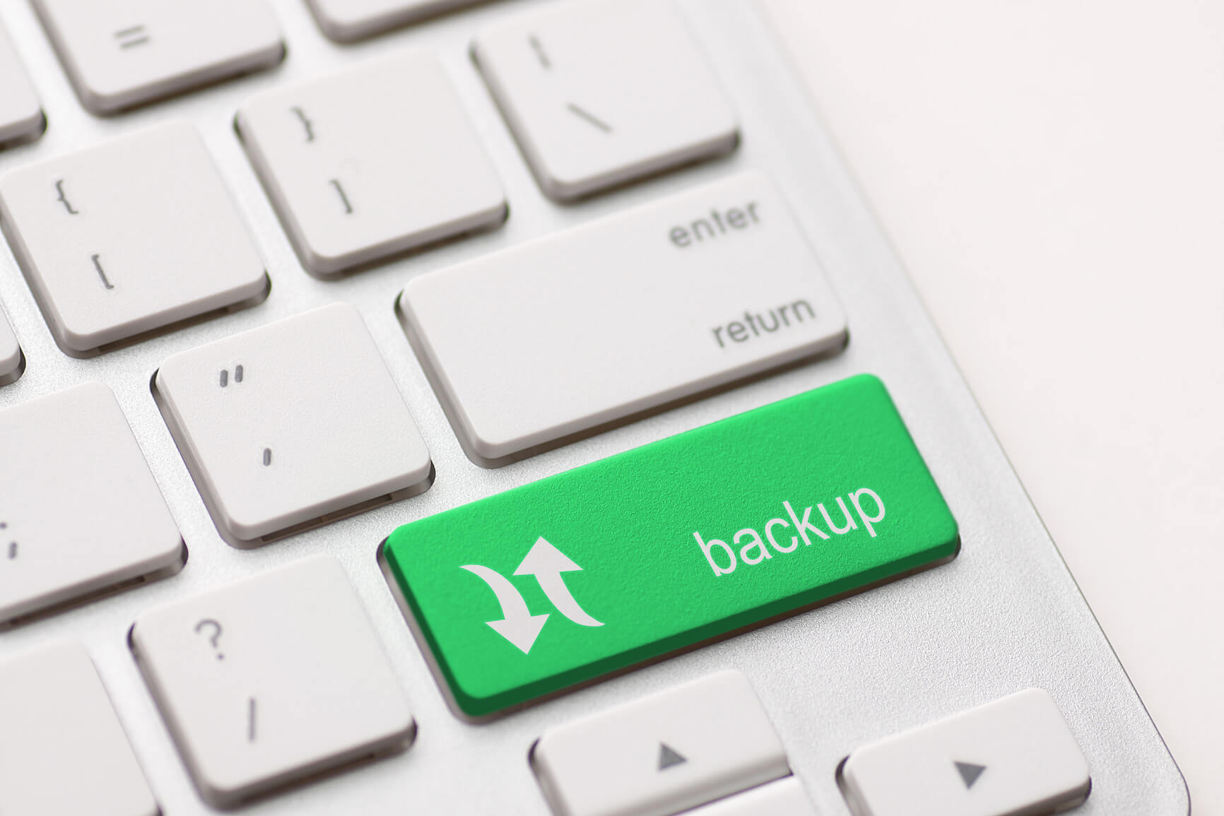 photodune-6174028-backup-computer-key-m